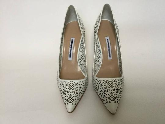 Manolo Blahnik Patent Leather Stiletto Pointed Toe Laser Never Worn White Pumps Image 3