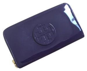 Tory Burch NWT TORY BURCH PATENT LEATHER CONTINENTAL WALLET