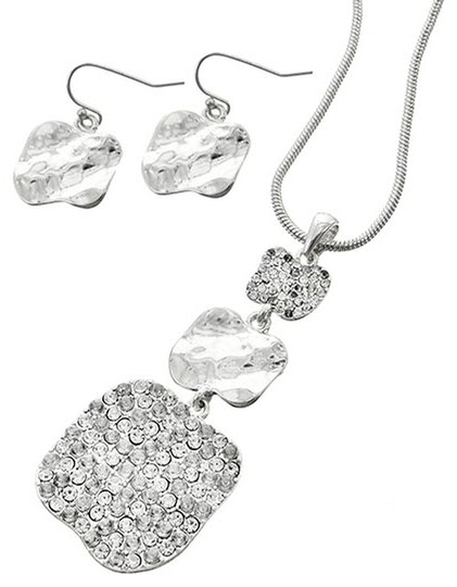 AMOUR COLLECTION Silver Tone Clear Rhinestone Necklace & Earrings