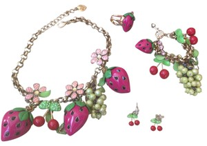 Betsey Johnson Betsey Johnson picnic strawberry necklace complete set