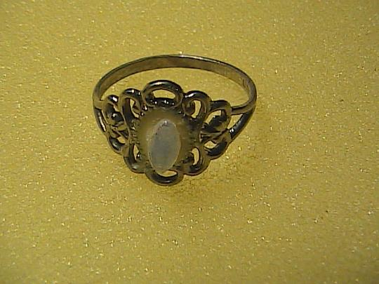 Vintage Sterling Silver Fancy Stone Filigree Ring