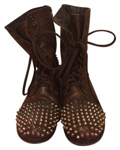 Steve Madden Comfortable Casual Studded cognac Boots