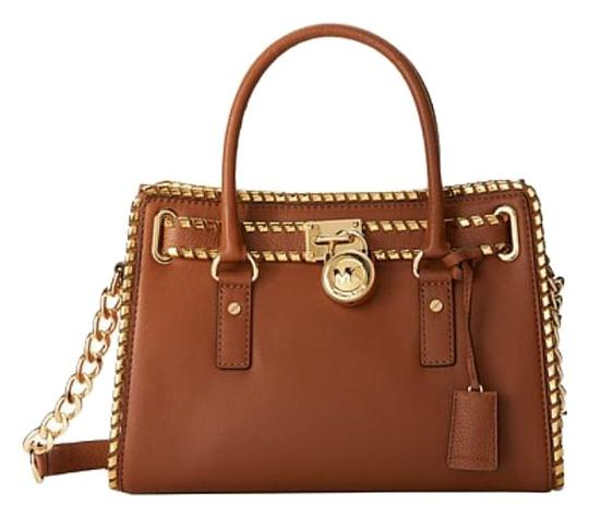 Preload https://img-static.tradesy.com/item/17183887/michael-kors-whipped-stitched-hamilton-east-west-luggage-leather-satchel-0-1-540-540.jpg