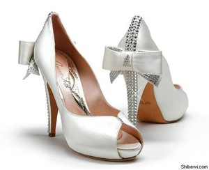 Aruna Seth White Satin Wedding Shoes Pumps Swarovski Crystal Wedding Shoes