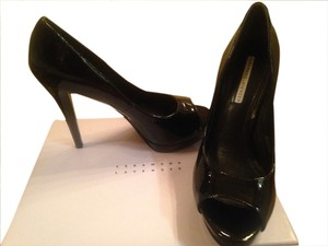 Vera Wang Black Patent Pumps