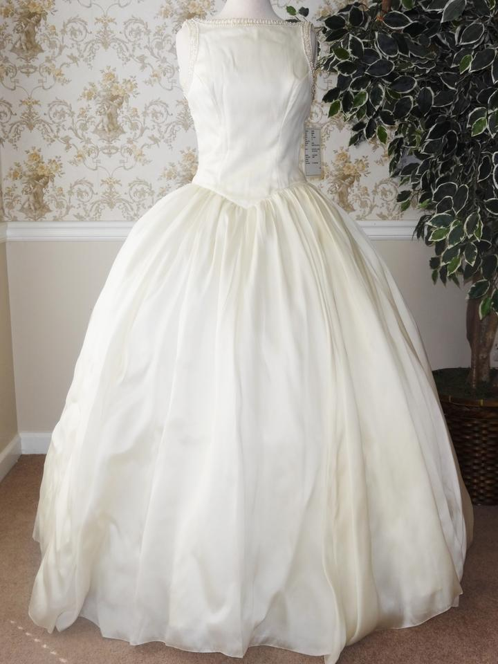 Priscilla of boston vintage silk organza wedding dress on for Where to buy a wedding dress in boston