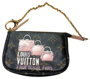 Louis Vuitton Pochette Monogram Lv Wristlet in Brown / Pink