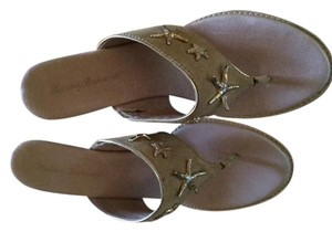 Tommy Bahama sand Sandals