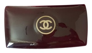 Chanel Chanel wallet patent & leather clutch