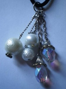 New crystal & white beads charms necklace