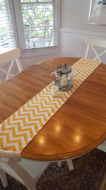 Item - Yellow and White Chevron Table Runner Tablecloth