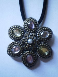Other New bronze w/crystals & fauz pearl necklace