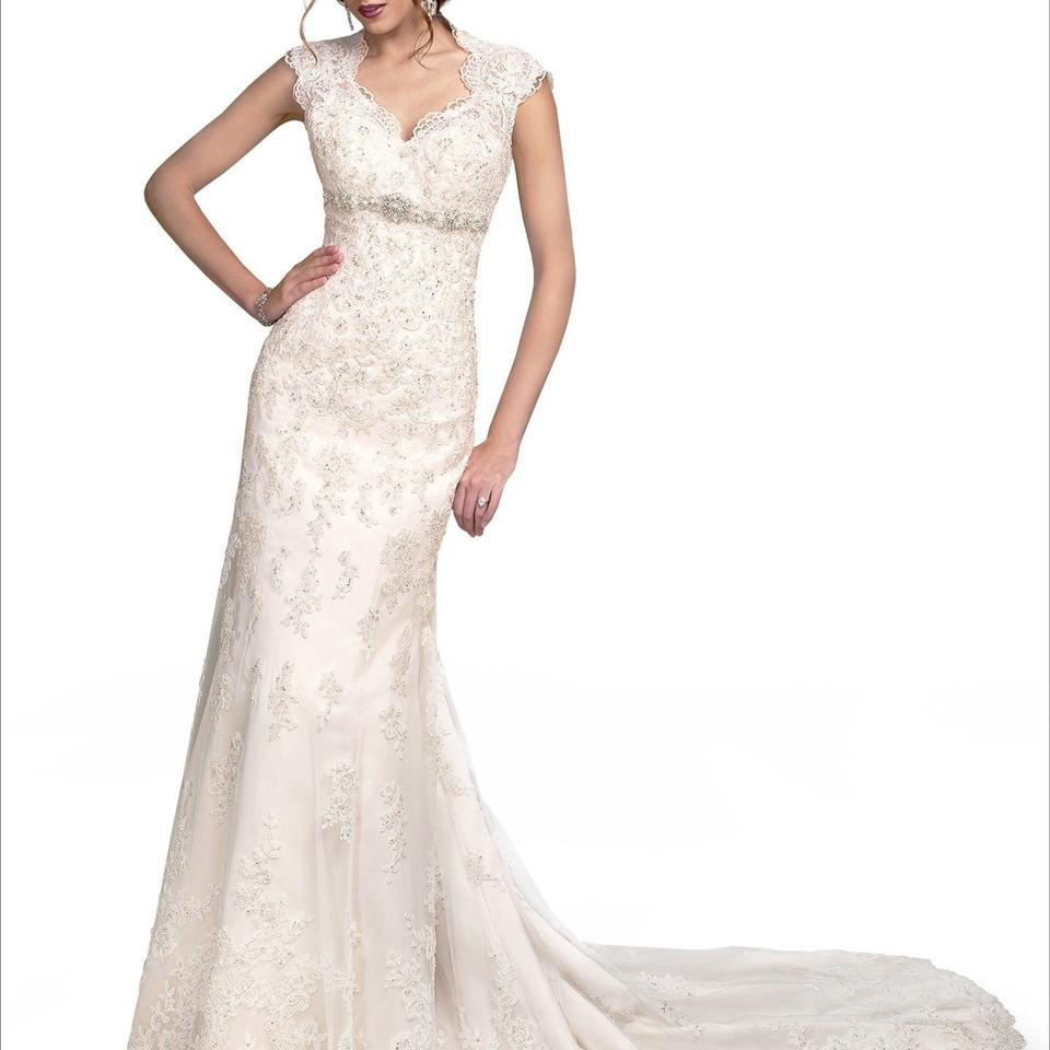 Used wedding dresses buy sell your wedding dress tradesy for Sell vintage wedding dress