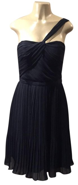 Preload https://img-static.tradesy.com/item/17201479/club-monaco-knee-length-cocktail-dress-size-6-s-0-1-650-650.jpg