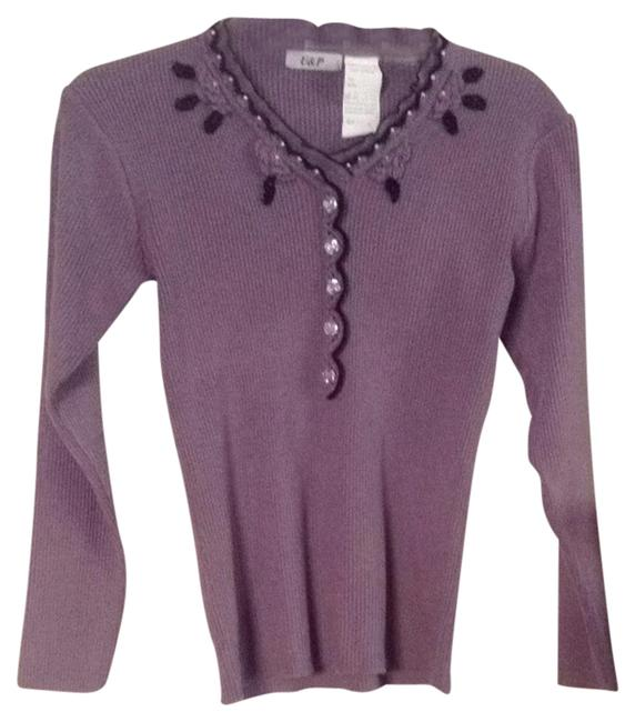 Preload https://img-static.tradesy.com/item/1720430/light-purple-and-black-sweaterpullover-size-4-s-0-0-650-650.jpg