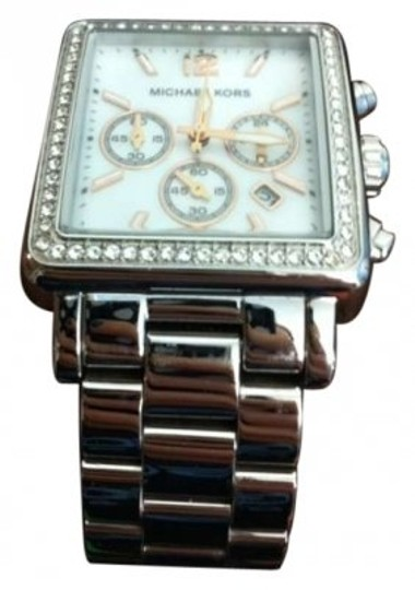 Preload https://item5.tradesy.com/images/michael-kors-silver-rectangle-watch-172054-0-0.jpg?width=440&height=440
