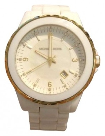 Preload https://item4.tradesy.com/images/michael-kors-white-round-watch-172058-0-0.jpg?width=440&height=440