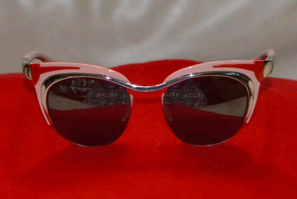 Prada Cat Eye Sunglasses Replica