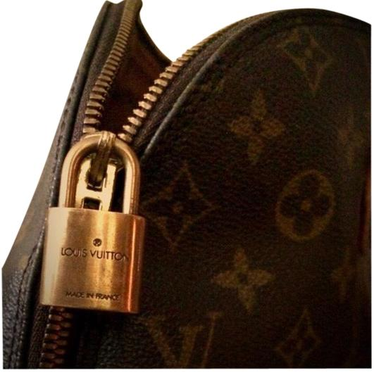 Preload https://img-static.tradesy.com/item/1720892/louis-vuitton-alma-the-alma-serial-date-code-ba0964-monogram-ag-satchel-0-3-540-540.jpg