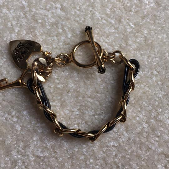 Juicy Couture Juicy Couture Toggle Bracelet: Black And Gold: Heart And key Style Image 4