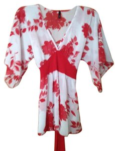 LVL X Top White with red flower pattern
