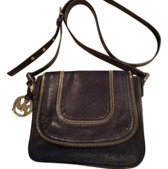 Preload https://img-static.tradesy.com/item/17214778/michael-kors-naomi-gold-hardware-purse-navy-blue-leather-cross-body-bag-0-1-540-540.jpg