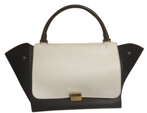 Céline Satchel in Black/White