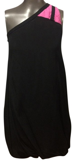 Preload https://img-static.tradesy.com/item/17215831/black-and-pink-above-knee-night-out-dress-size-2-xs-0-1-650-650.jpg