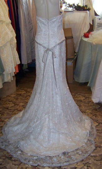 Henry Roth Ivory Full Lace Gown Feminine Wedding Dress Size 8 (M)