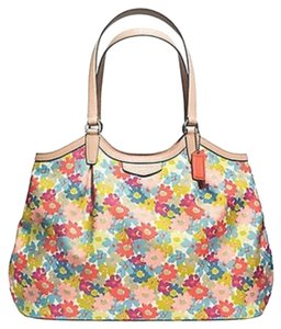 Coach Purse Shoulder Tote in Multicolor