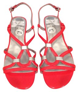 Sbicca Hot Silver Wedgie Strappy Summer pink Sandals