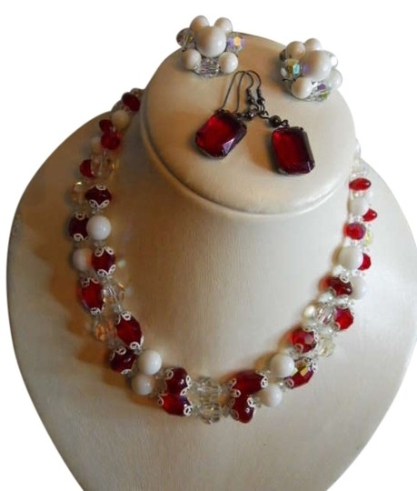 Preload https://img-static.tradesy.com/item/172236/red-and-white-vintage-vendome-ab-crystal-necklace-with-2-prs-earrings-0-0-540-540.jpg