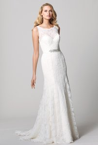 Watters & Watters Bridal Ivory Lace Siara Modern Wedding Dress Size 8 (M)