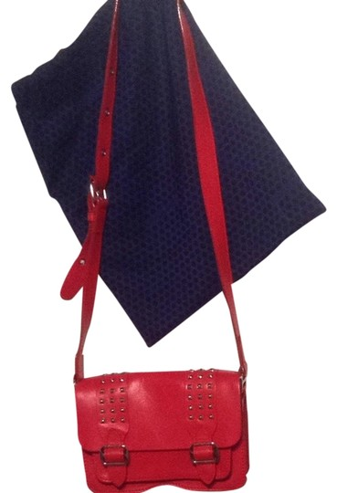 Preload https://item3.tradesy.com/images/rebecca-minkoff-red-leather-cross-body-bag-1722472-0-0.jpg?width=440&height=440