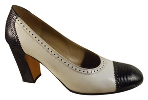 Salvatore Ferragamo Leather Reptile Oxford black & white Pumps