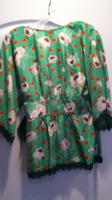 FEI Top green multi flower print