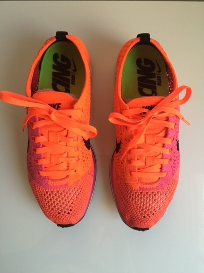 Nike Flyknit Racer Sneaker Tennis Running Pink Flash/Hyper Crimson/Black Athletic Image 2