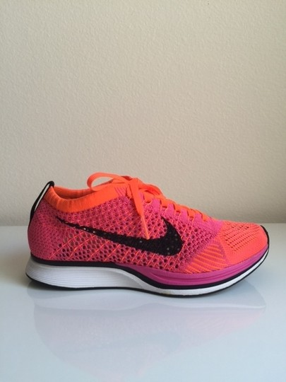 Nike Flyknit Racer Sneaker Tennis Running Pink Flash/Hyper Crimson/Black Athletic Image 3