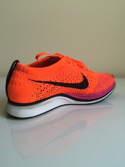 Nike Flyknit Racer Sneaker Tennis Running Pink Flash/Hyper Crimson/Black Athletic Image 5