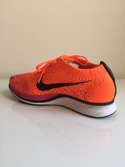 Nike Flyknit Racer Sneaker Tennis Running Pink Flash/Hyper Crimson/Black Athletic Image 6