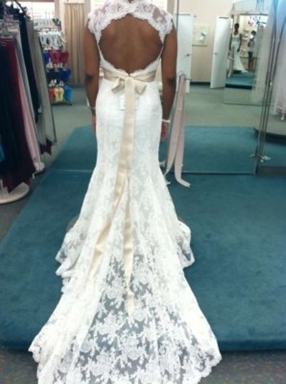 Forever Yours Off White Lace Vintage Wedding Dress Size 6 (S)