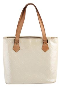 Louis Vuitton Pearl White Tote in Cream
