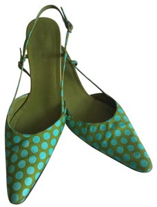 Kate Spade Low Heals Casual Green polka dots Pumps