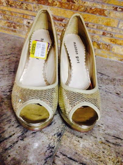 Madden Girl Gold Pumps
