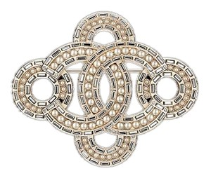 Chanel 16 P Golden Pearly Brooch metal resin strass gold pearly white crystal