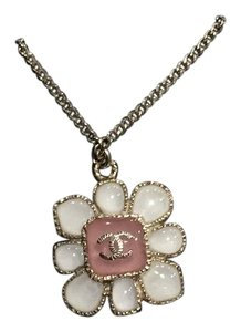 Chanel Classic CC 2016 Paris Seoul Flower Blossom Necklace