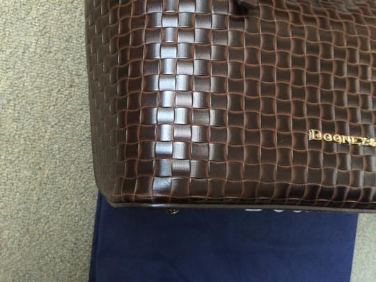 Dooney & Bourke Woven Dover New With Tags (Nwt) Middle Divider Tote in Brown T'moro Image 4