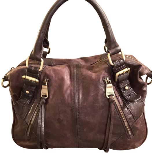 Preload https://item1.tradesy.com/images/andrew-marc-hm2db002-chocolate-leather-cross-body-bag-1723890-0-0.jpg?width=440&height=440
