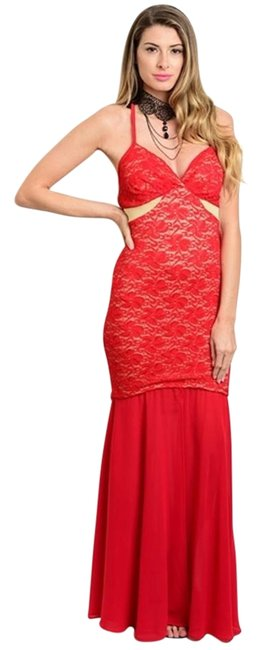 Preload https://img-static.tradesy.com/item/17240860/red-long-formal-dress-size-4-s-0-1-650-650.jpg
