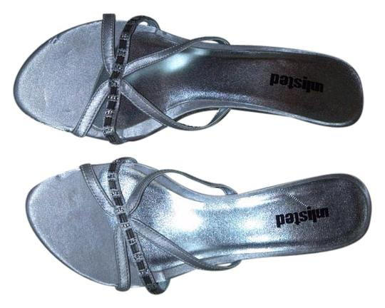 Preload https://img-static.tradesy.com/item/17241667/unlisted-by-kenneth-cole-silver-simple-sandals-size-us-10-regular-m-b-0-1-540-540.jpg